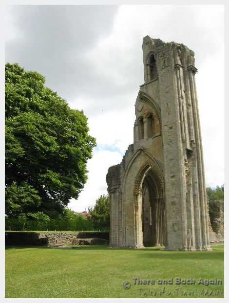 Fabulous Friday Foto: Glastonbury Abbey, England
