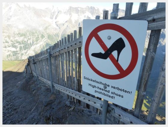 Schilthorn Bahn hiking sign-best mountain views in Switzerland