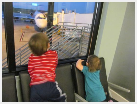 Travelnig with Toddlers - Finally to our gate at the airport