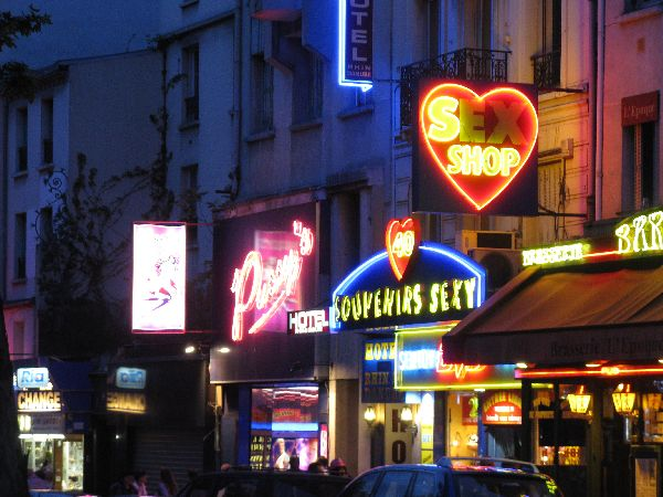 Paris Nightlife for Adults: The Paris Red Light District