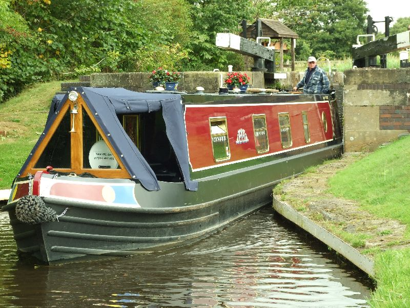 Renting a Canal Boat: A Great Way to Explore Europe For Families