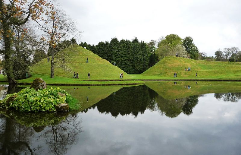 Looking Down the Road: The Garden of Cosmic Speculation, Scotland