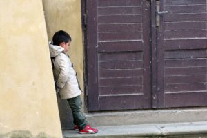 Fabulous Friday Foto: Photos of Prague – A Pouty Little Boy