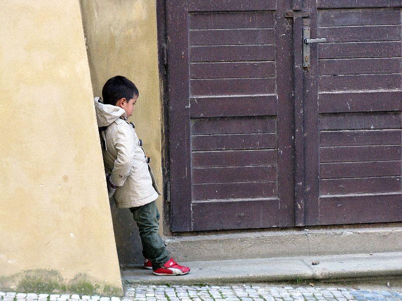 Fabulous Friday Foto: Photos of Prague – A Pouty Little Boy