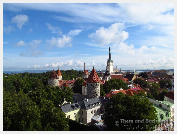 What to do in Tallinn For a Day – Shopping, Strolling and Being Enchanted!