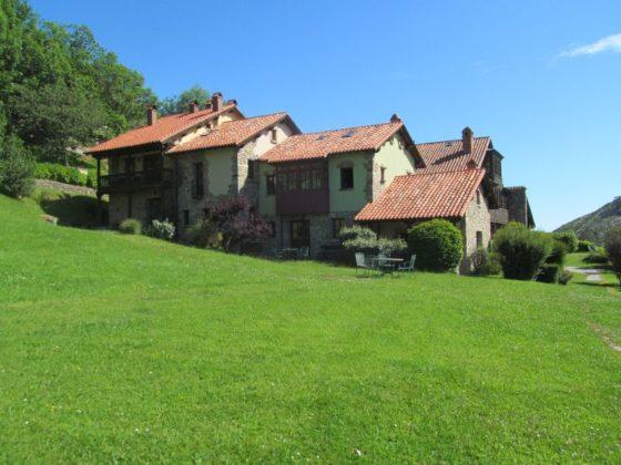 The old farmhouse at Alojamiento Rural la Montaña Mágica